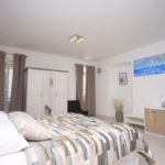 milat apartment room
