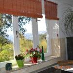 Pogled kroz kuhinjski prozor